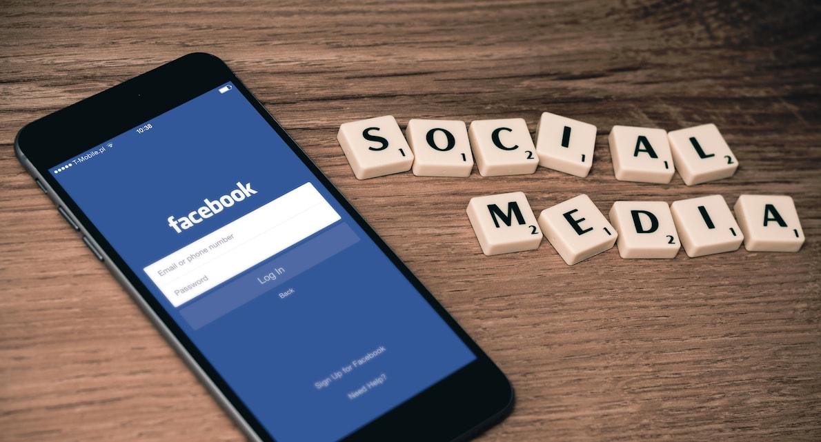 Quand poster sur réseaux sociaux pour optimiser la visibilité de vos posts ? [Infographie]